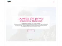 plasticandplush.com